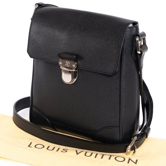 Louis Vuitton Handbags - 📉 PRICE DROP ‼️ LV Black Taiga Leather Crossbody